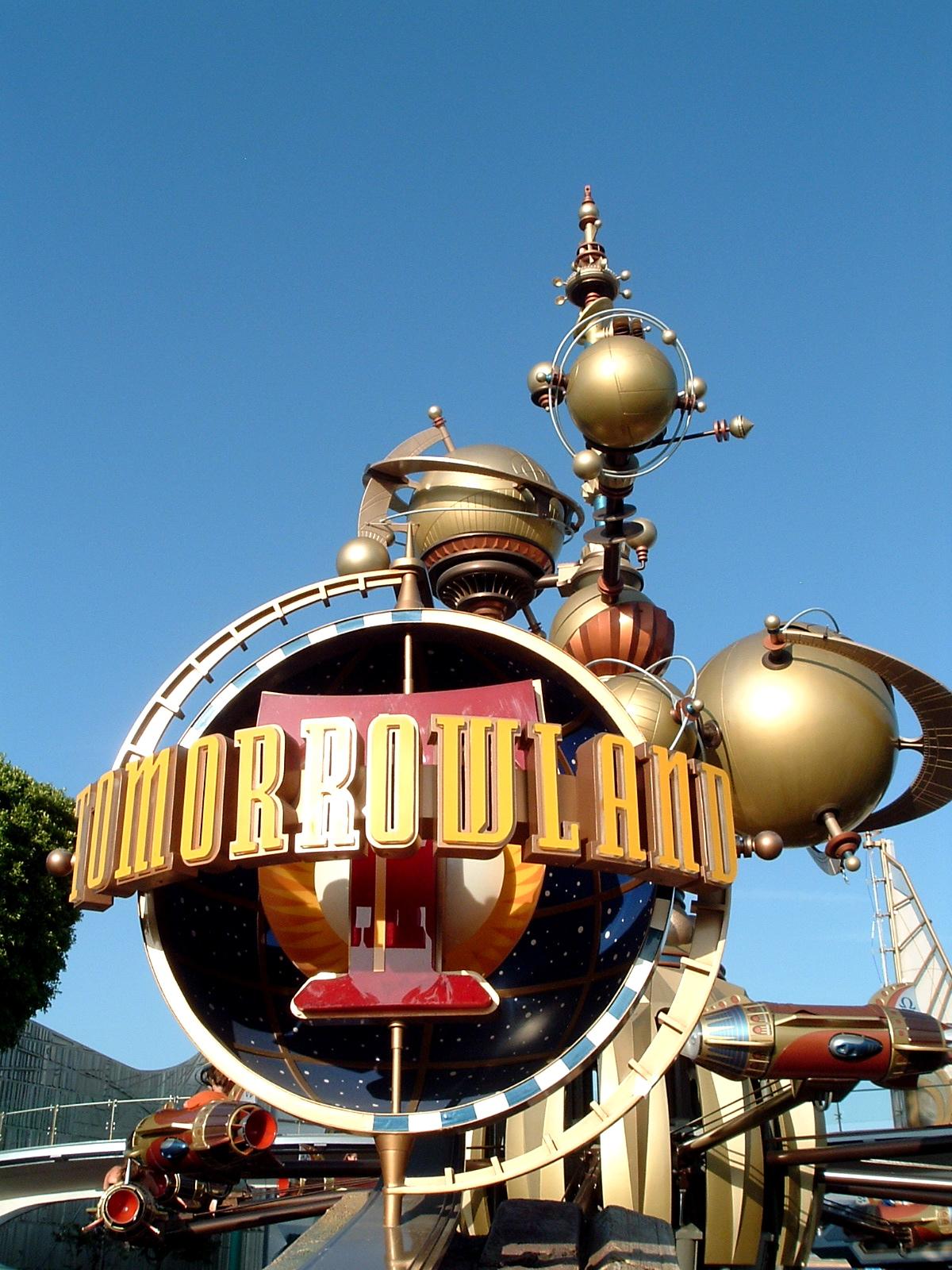 Disneys-Tomorrowland